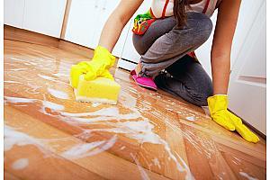 Как эффективно мыть пол после ремонта