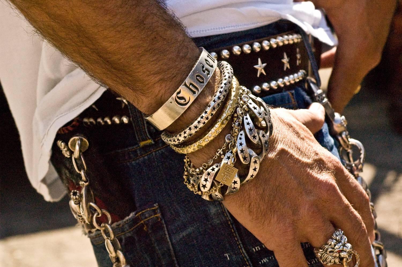 Украшения для мужчин из серебра – признак изысканного вкуса и элегантности!